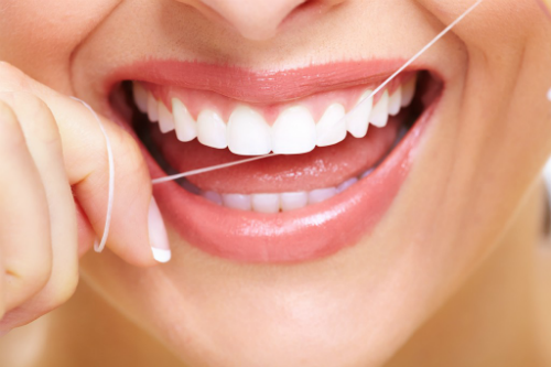 oral-health-flossing